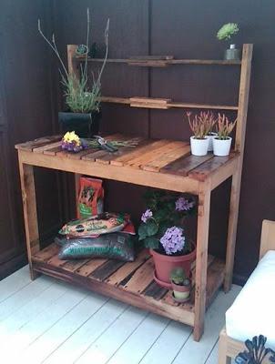 Workwench extérieur pour votre jardin faite de palettes en bois