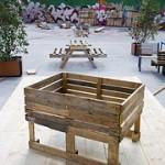 Plusieurs plans pour construire une jardinière, une graine et une chaise avec des palettes