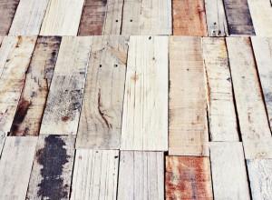 Comment faire une table rustique et vintage avec des planches de palettes (10)