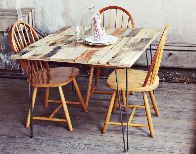 comment faire une table rustique et vintage avec des. Black Bedroom Furniture Sets. Home Design Ideas