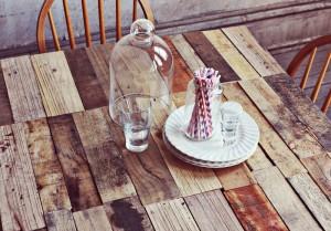 Comment faire une table rustique et vintage avec des planches de palettes