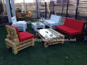 Mobilier de jardin faite avec des palettes