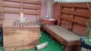 Canapé et table pour la terrasse faite avec des palettes 2