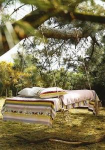 Instructions étape par étape sur la façon de faire un lit suspendu avec palettes