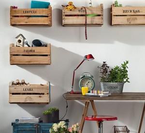 Plusieurs idées originales d'étagères faites de boîtes de fruits 10