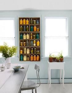 Plusieurs idées originales d'étagères faites de boîtes de fruits 2