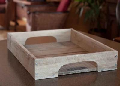 Comment construire une belle plateau rustique avec des - Construire une table avec des palettes ...