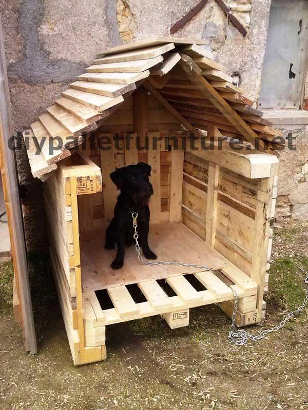 La niche avec palettes de manoumeuble en palette meuble - Comment fabriquer une niche en bois pour chien ...