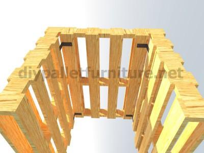 Plans et instructions pour fabriquer une chaise avec quatre palettes 6