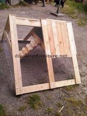 Poulailler construit avec des palettes 7