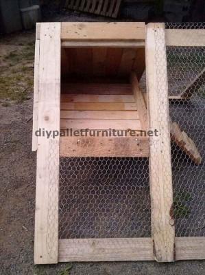 stia  costruito con tavole di legno di pallet 5
