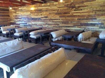 Auditorium faite avec des palettes en bois2