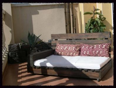 Comment faire un canap chaiselong avec des palettes des - Comment faire un canape en palette ...
