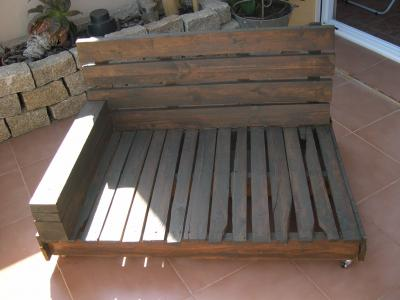 Comment faire un canapé-chaiselong avec des palettes, des explications et des plans 6