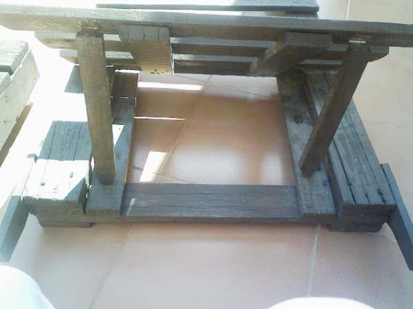 fixer canapé palette bois