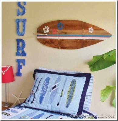 Décorez votre maison avec une planche de surf faite avec des palettes9