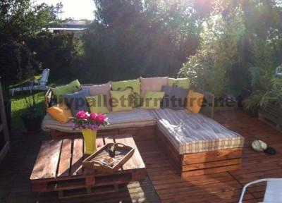 Garden Lounge mit Paletten 2