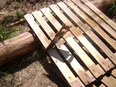 Instructions sur la façon de faire un canapé avec 2 palettes de les assembler 2