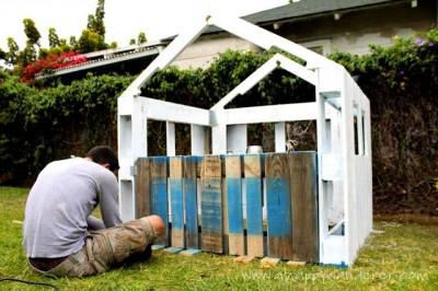 Petite maison pour les enfants en palettes 5