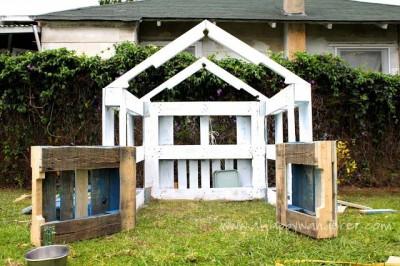 Petite maison pour les enfants en palettes 6