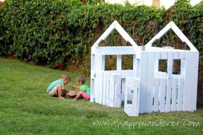 Petite maison pour les enfants en palettes 8