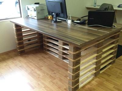 Schreibtisch mit Europaletten Enden 6