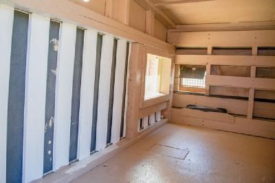 Un artiste crée les maisons mobiles de palettes pour les personnes sans-abri 5