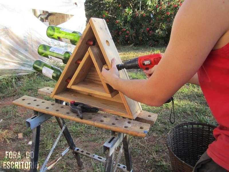 Guide tape par tape pour faire un porte bouteille for Fabriquer un porte bouteille en bois
