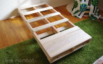 Construire un lit pour vos enfants avec des palettes 2