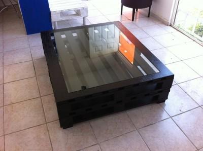 Instructions sur la façon de faire une table élégante avec des palettes