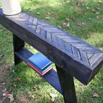 Étapes et les instructions sur la façon de construire une table de palette décorative avec une touche artisanale