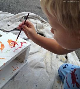 Construire un tableau personnalisé avec des palettes pour vos enfants 2