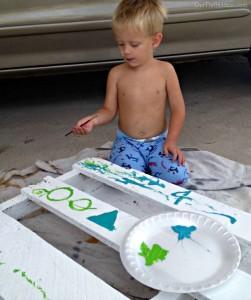 Construire un tableau personnalisé avec des palettes pour vos enfants 3