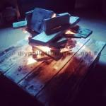 Lampe artistique faite avec des palettes