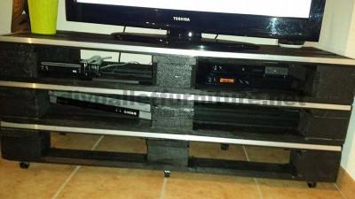 Comment faire un meuble tv d une mani re rapide et for Meuble de tele en palette