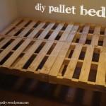 Processus de construction de cadre de lit avec des palettes