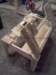 Tables créées avec des morceaux de palettes4