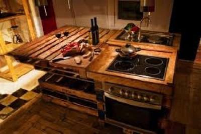 10 modèles de cuisine incroyables faites avec des palettes5