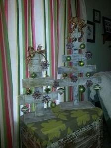 12 idées pour concevoir un arbre de Noël avec des palettes7