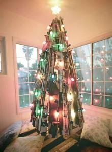 12 idées pour concevoir un arbre de Noël avec des palettes8