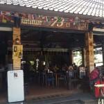 Bar de Surfer à Bali recouverte d'palettes planches