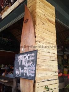 Barre de Surfer à Bali recouverte d'palettes planches6