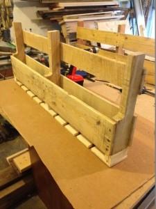 Construire un casier à vin en palettes pour le mur4
