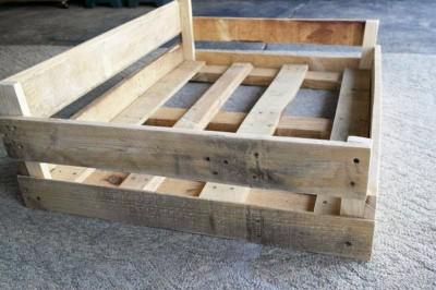 Construire un lit palette pour vos animaux de compagnie2