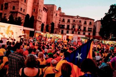 Kiosques et des structures faites de palettes pour la Setmana del Llibre en Català7