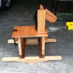 Palette cheval à bascule en bois pour les enfants