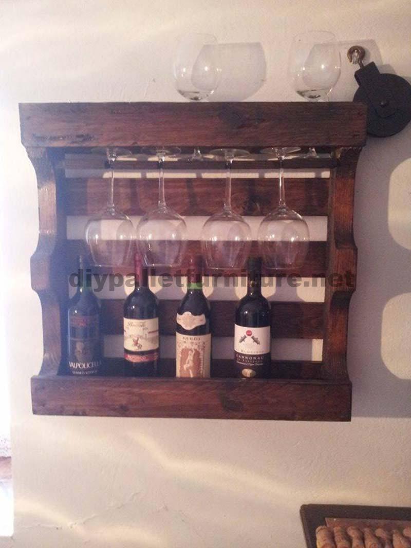porte bouteilles pour la salle mangermeuble en palette meuble en palette. Black Bedroom Furniture Sets. Home Design Ideas