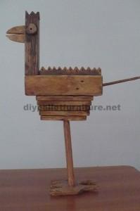 Sculptures d'oiseaux réalisés avec des blocs de palettes et planches4