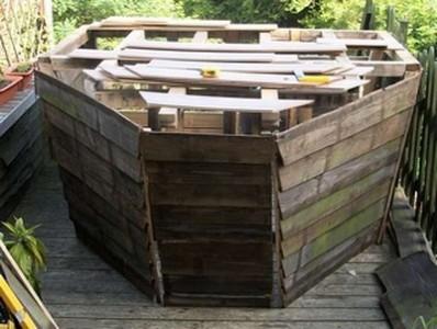 Un bateau de pirate fait avec des palettes 3