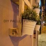 Un planteur de palette pour décorer l'entrée de votre maison